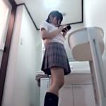 【JCレイプ盗撮動画】脱衣所…浴室で起こる悲劇…制服姿の妹が浴室に入った瞬間にキチガイ兄が強姦ww