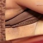 """【キャンギャル盗撮動画】笑顔振りまくコンパニオンの""""まんすじ""""と""""剃り跡""""を接写撮りww"""