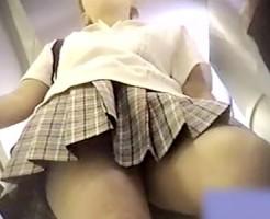 【パンチラ動画】エスカレーターという場で20秒ほど停止した女子校生の制服をえぐるように隠し撮りww