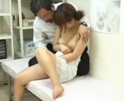 【病院隠撮動画】ワケアリで産婦人科に来た素人女子大生を悪徳医師がセクハラする様子を隠しカメラ撮り…