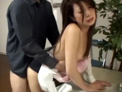 【万引き隠撮動画】本来なら警察直行…身体目当ての万引きGメンがOLを事務所でセックス隠しカメラ撮りww