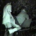 【青姦隠撮動画】野外セックスの聖地と呼ばれる場所にダメ元で隠しカメラを定点で置いた結果ww