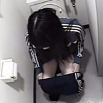 【家庭内盗撮動画】一人暮らしの女子大生アパートに隠しカメラを設置…ラストにまさかの結末が待ってた…