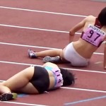 【陸上女子隠撮動画】400mを全力疾走して食い込みユニフォームのまま倒れこむ選手を隠し撮りww